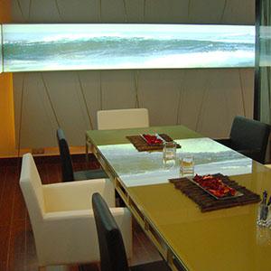 Excelente professional en decoracion de casas y despachos. Ofrece diseños frescos y actuales.